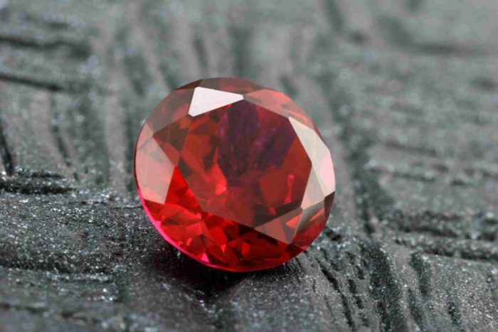 Красный рубин