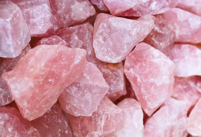 Цвета и разновидности розового кварца