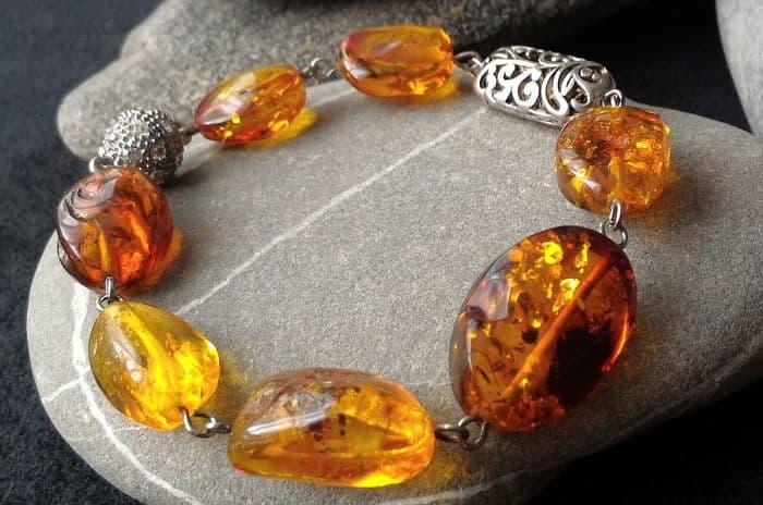 Природный самоцвет янтарь: целебные свойства